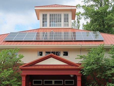 Najpierw drożej, potem taniej – domy energooszczędne